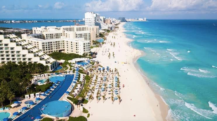 El diseño de páginas web Cancún sirve a pequeños y medianos empresarios para vender por Internet sus servicios o productos.